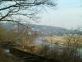 Blick entlang der Elbe zum Fernsehturm Dresden